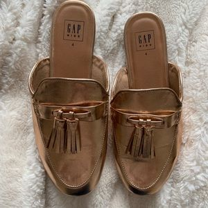 Gap Kids size 4 rose gold mule with tassel